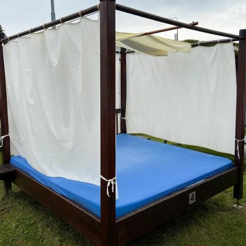 Family Bed - Outside garden zone 16.7.2020